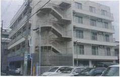 老人ホームの屋上・外壁に塗布